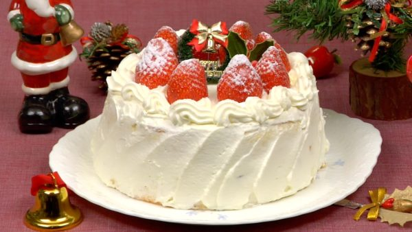 Weihnachtstortenrezept (Erdbeer-Biskuitkuchen)