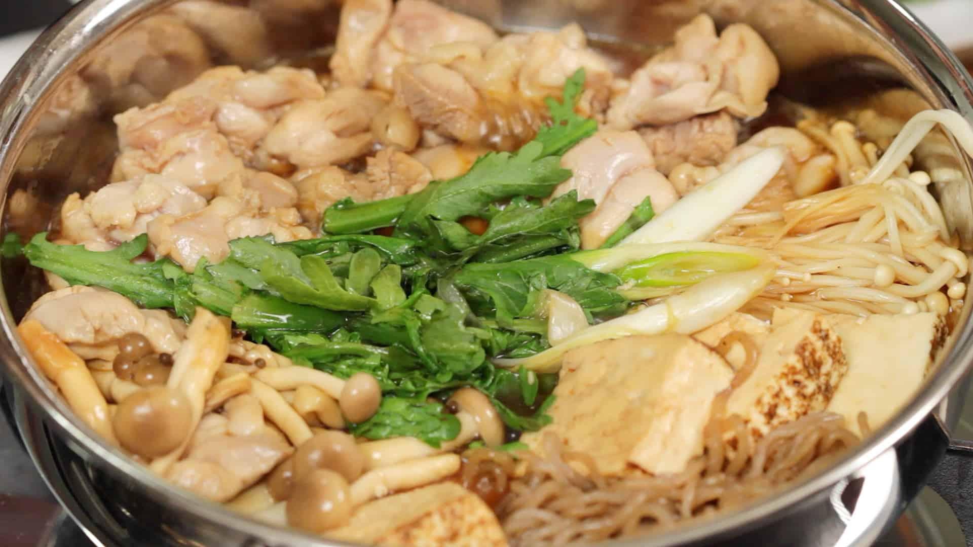 鶏すきの作り方 鶏肉のすき焼きレシピ