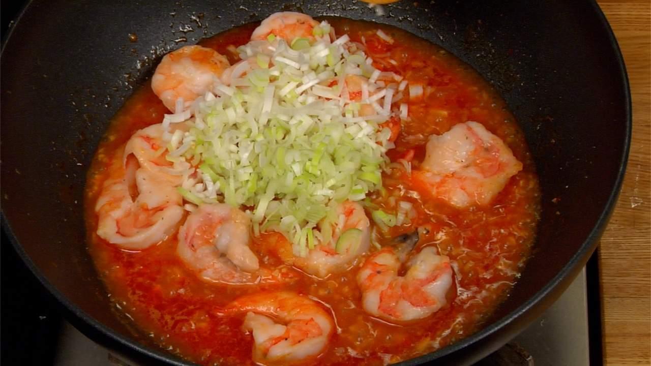 Ebi Chili Recipe (Stir-Fried Prawns in Chili Sauce ...
