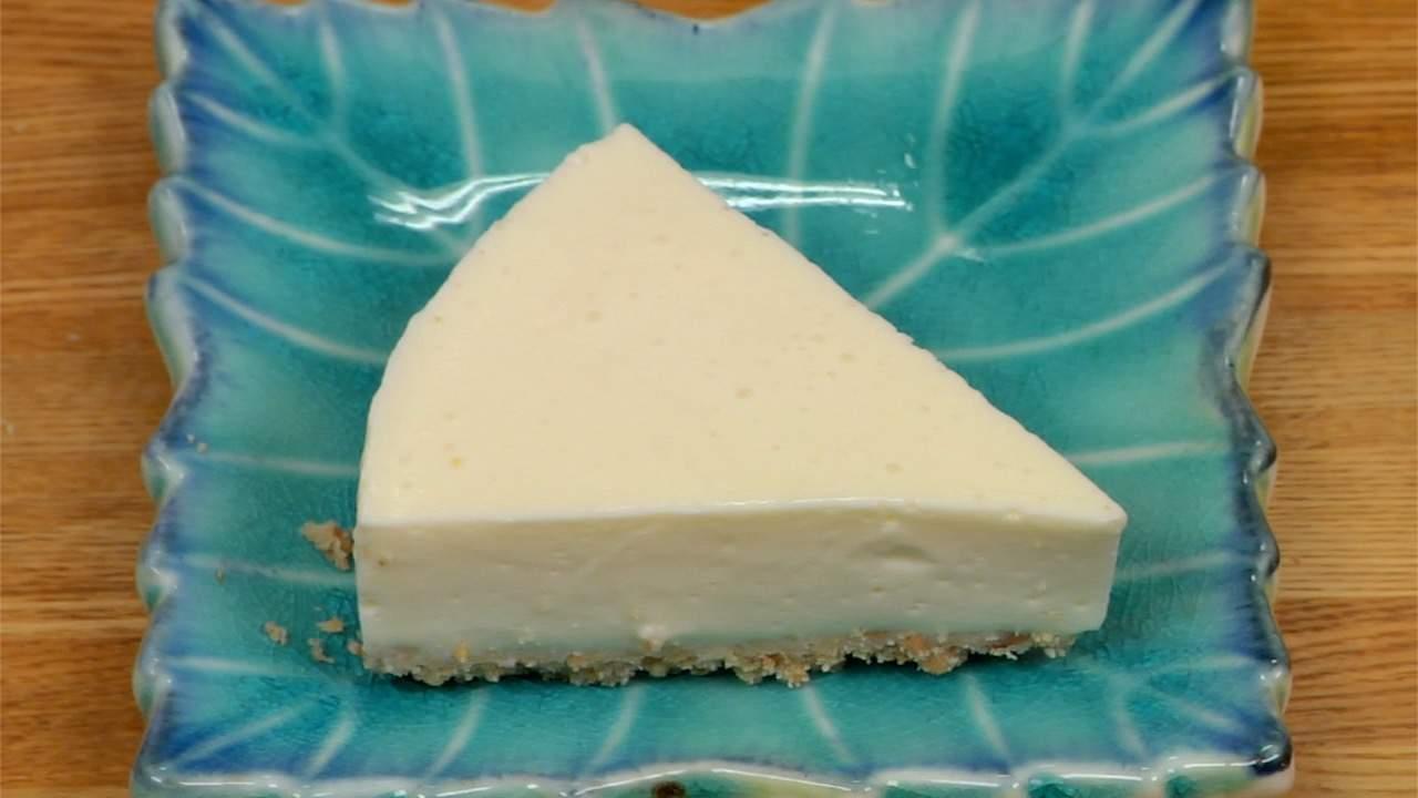 Japanese Towel Cake Recipe: Tofu Rare Cheesecake Recipe (No-Bake Cheesecake)