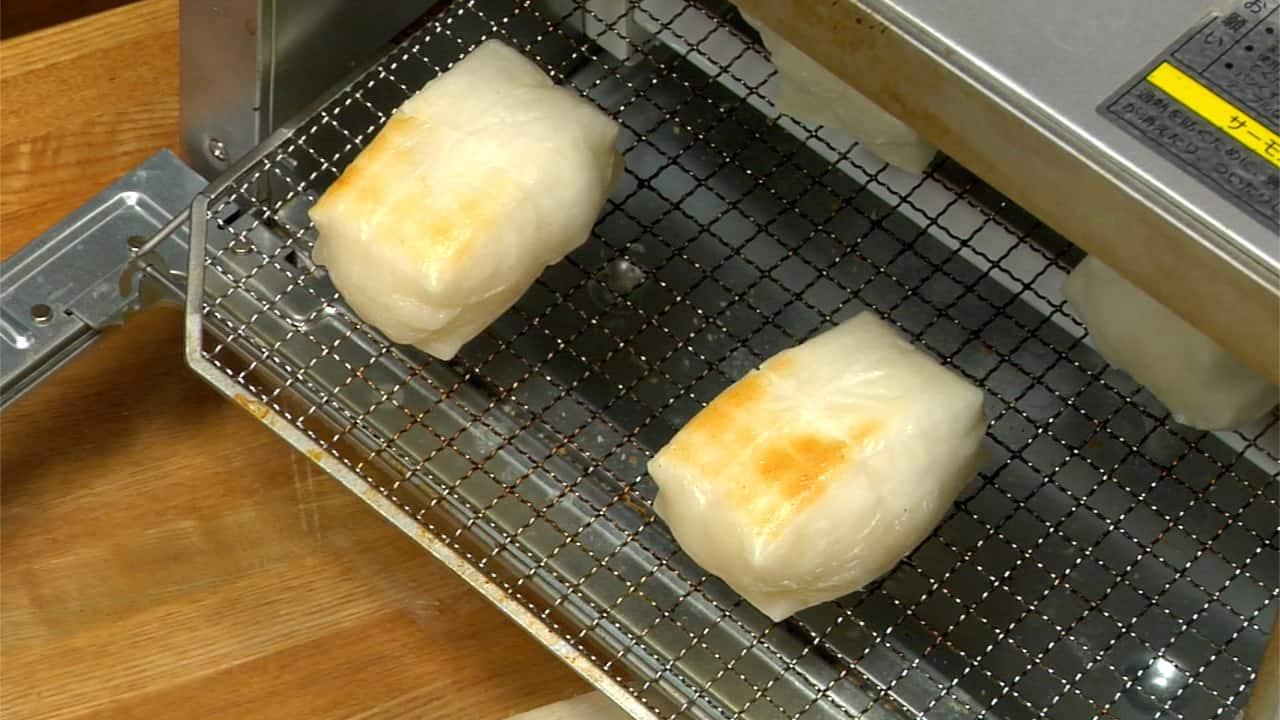 Japanese Towel Cake Recipe: Ozoni Recipe (Japanese New Year Mochi Soup With Chicken