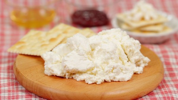 Homemade Fresh Cheese Recipe (Quick and Easy Cheese Made from 3 Ingredients)