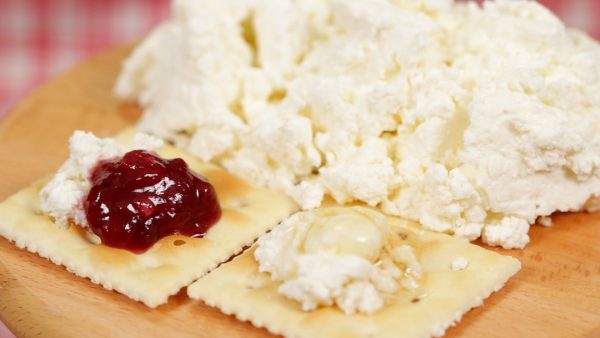 You can also simply enjoy the cheese with salt and black pepper.