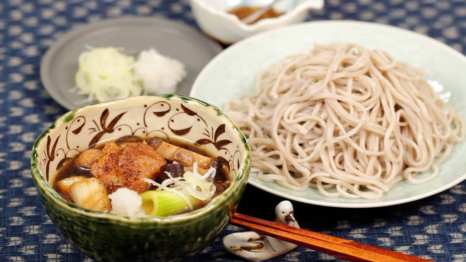 Chicken Tsukesoba Kamo Nanban-Style Recipe (Cold Soba Noodles with Hot Dipping Broth)