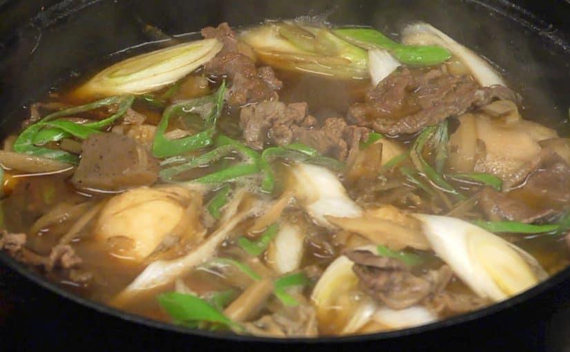 芋煮の作り方 里芋と牛肉を使った醤油味の山形風芋煮レシピ