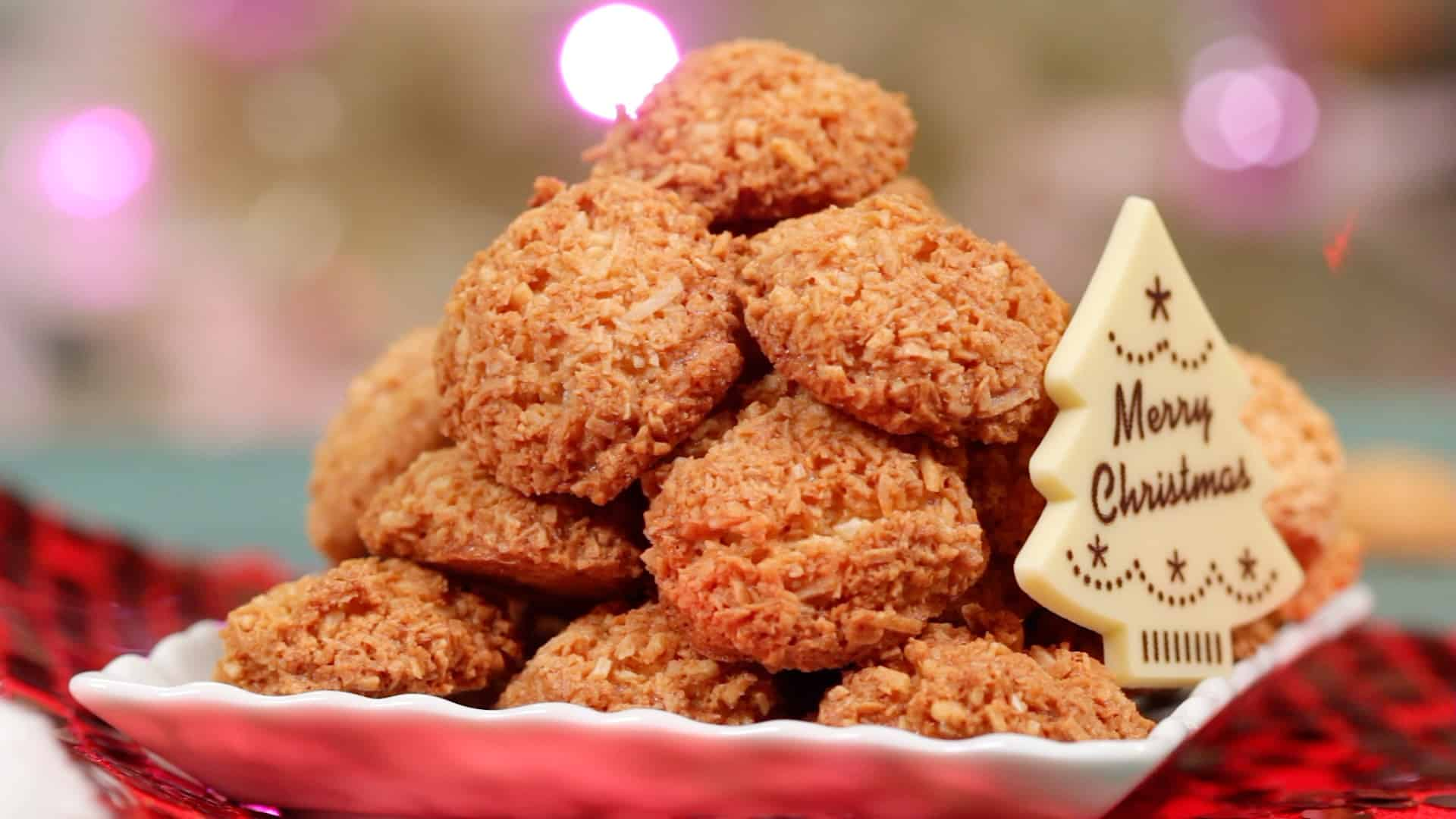 Coconut Macaroons Recipe (Crispy Christmas Cookies with Coconut | Easy Biscuits)
