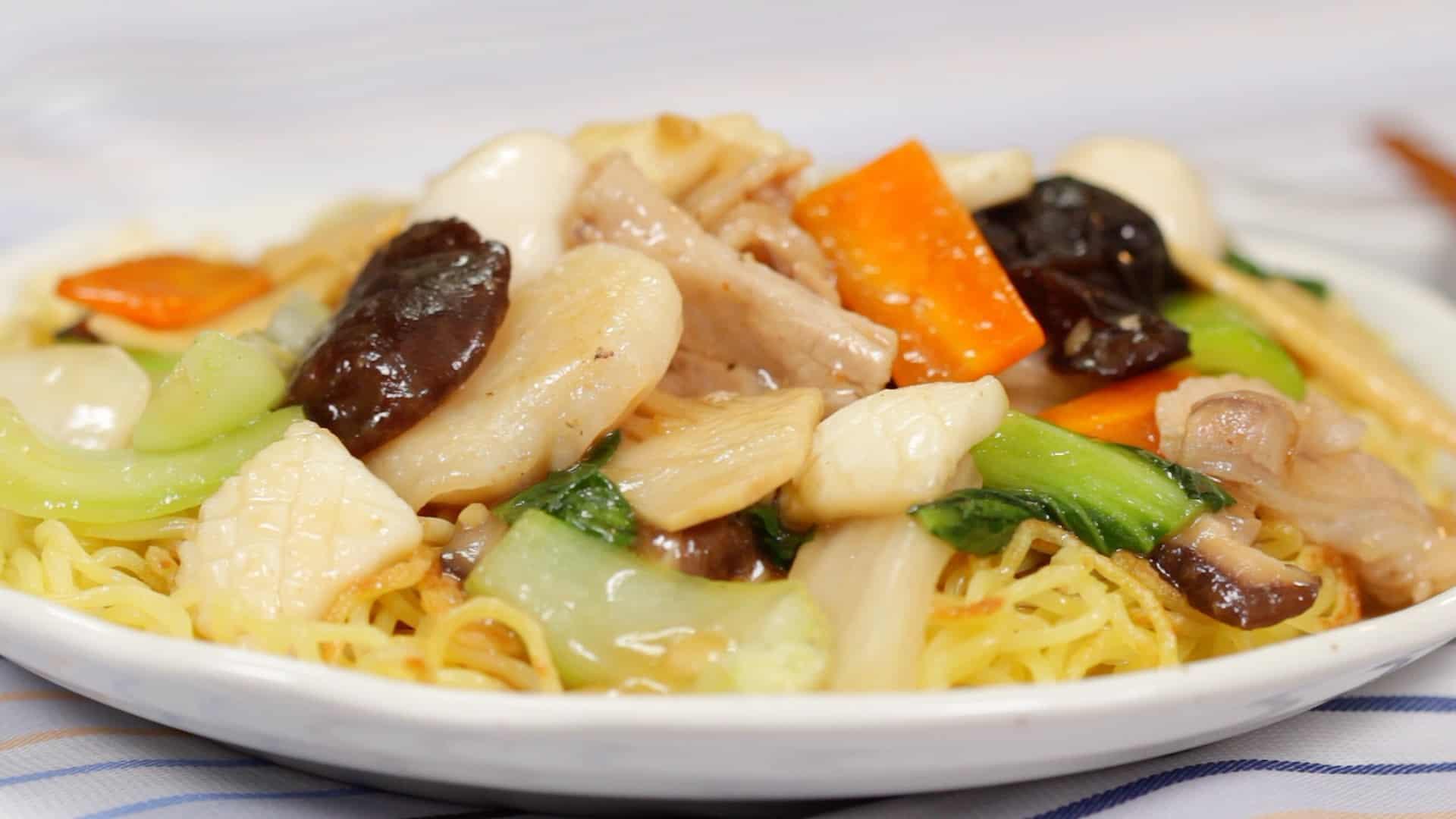 五目あんかけ焼きそばの作り方 肉と魚介と野菜の旨味がたっぷりの