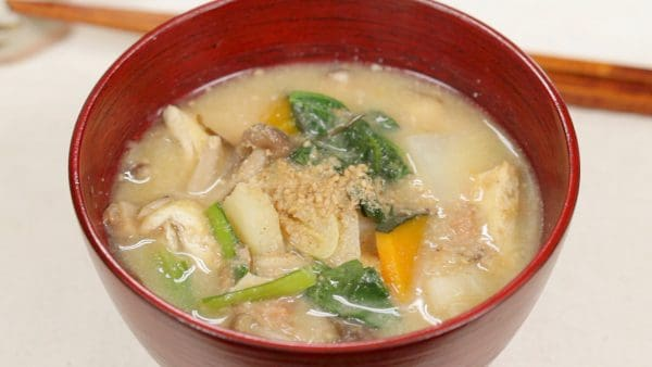 Hearty Miso Soup Recipe (The Healthiest Japanese Food with Plenty of Vegetables)