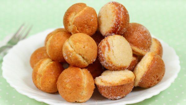 Baby Castella and Suzu Castella Recipe (Small Kasutera Cake using Takoyaki Pan)